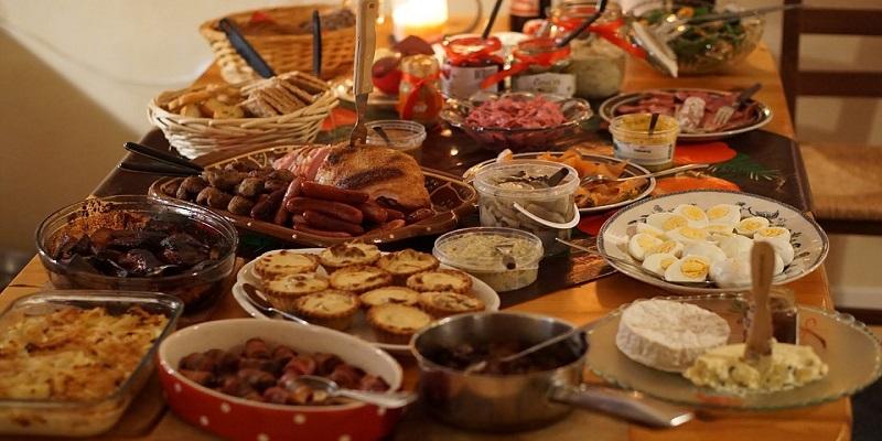 Kako uživati u blagdanskoj hrani bez da se udebljamo?