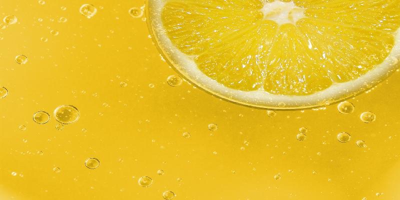 Čarobni gutljaj svako jutro: Mini koktel za čistu jetru i lice bez bora i podočnjaka