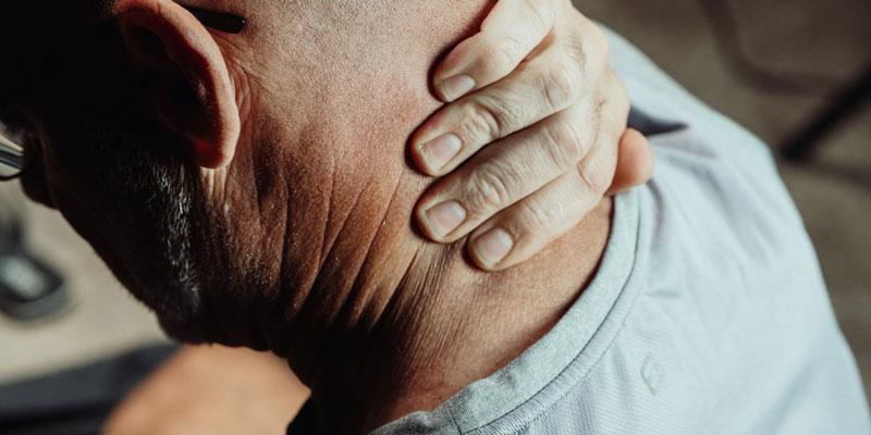 bolovi u vratu i ledjima